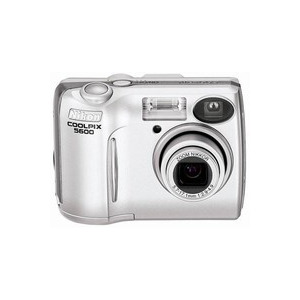 Photo of Nikon Coolpix 5600 Digital Camera
