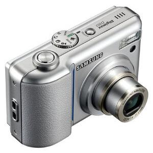 Photo of Samsung Digimax D103 Digital Camera
