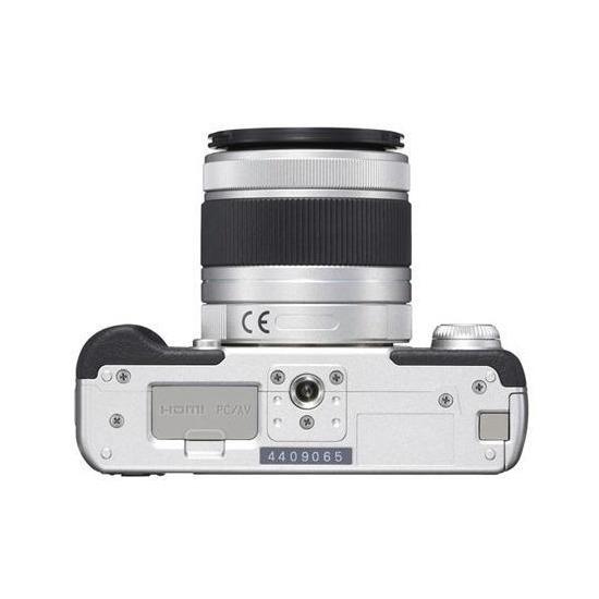 Pentax Q10 Compact System Camera + 5-15mm Lens