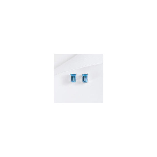 9CT WHITE GOLD BLUE TOPAZ STUD EARRINGS