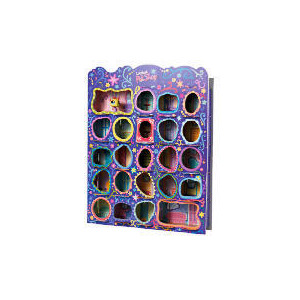 Photo of Littlest Pet Shop Lovin Wooden Showcase Toy