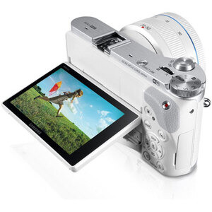 Photo of Samsung NX300 With 20-50MM Lens Kit Digital Camera