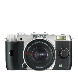 Pentax Q7 with 5-15mm Lens kit