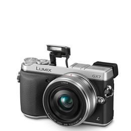 Panasonic Lumix DMC-GX7 with 20mm Lens Reviews