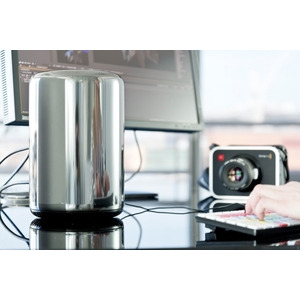 Photo of Mac Pro MD878B/A (2013) Desktop Computer