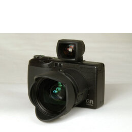 Ricoh Caplio GR Reviews