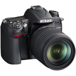 Nikon D7000 with 18-105mm VR lens Reviews