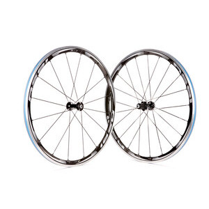 Photo of Shimano RS81 C35 Wheel Set Bicycle Component