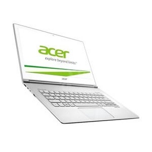 Photo of Acer Aspire S7-393 13.3 Glass White Multi-Touch Intel Core I7 - 5500U 8GB 256GB SSD Shared No Opt W Laptop
