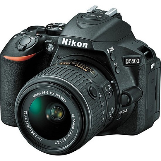Nikon D5500 with 18-55mm VR II Lens Kit