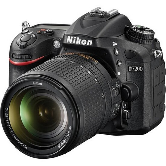Nikon D7200 with 18-140mm ED VR Lens