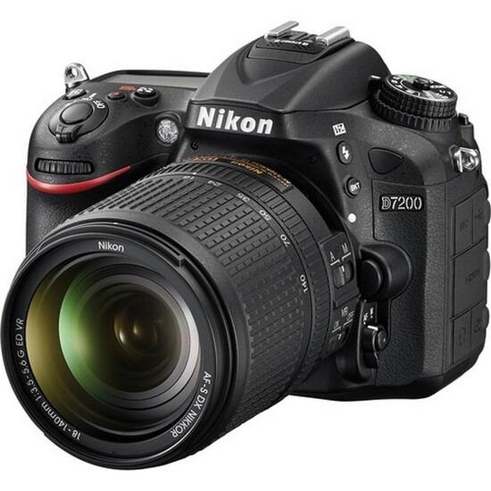 Nikon D7200 with 18-140mm ED VR Lens