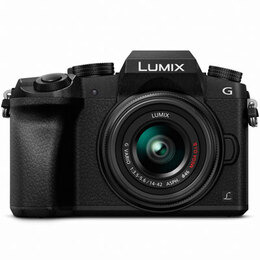 Panasonic Lumix G7 with 14-42mm Lens
