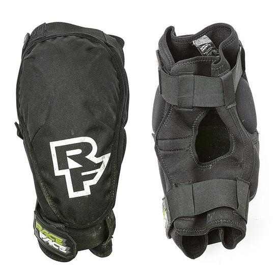 Race Face Ambush knee pads
