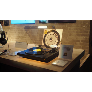 Photo of Sony PS-HX500 Turntable Turntables and Mixing Deck