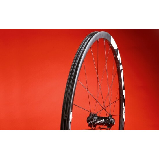 SRAM Rise 60 29 carbon wheelset