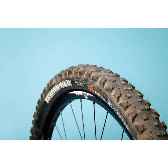 Maxxis Tomahawk tyre