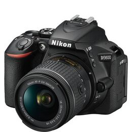 Nikon D5600 with 18-55mm AF-P VR Lens Reviews