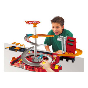 Photo of Hot Wheels Flip N Go Spin City Playset Toy
