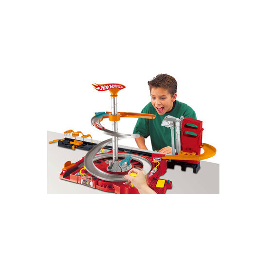 Hot Wheels Flip N Go Spin City Playset