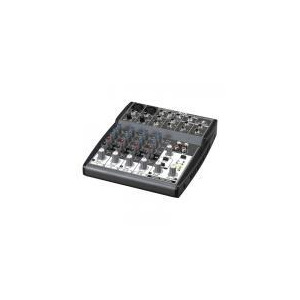 Photo of Behringer XENYX 802 Mixer Turntables and Mixing Deck