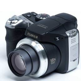Fujifilm Finepix S8100 Reviews