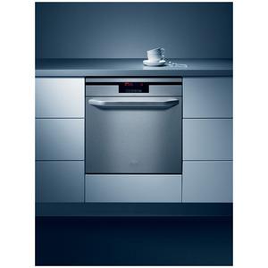 Photo of AEG F98010IMM Dishwasher