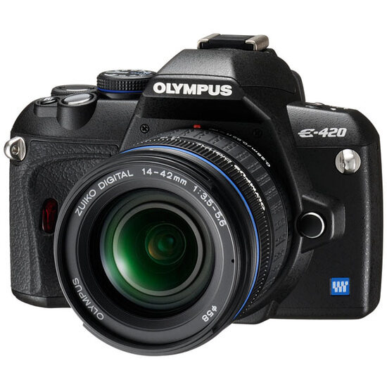 Olympus E-420 with 17.5-45mm Zoom Lens