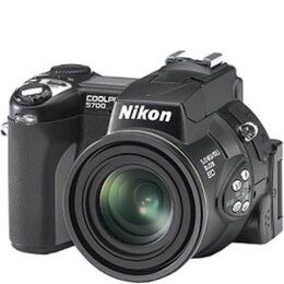 Nikon Coolpix 5700 Reviews
