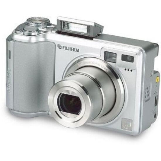 fujifilm finepix e550 reviews and prices rh reevoo com FinePix E500 E550 Review