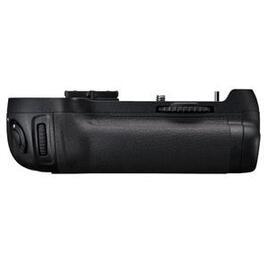 Nikon MB-D12 Reviews