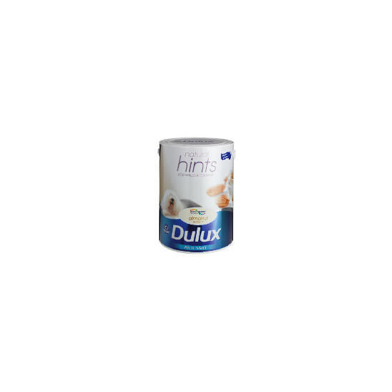 Dulux Hints Matt Almond White 5L