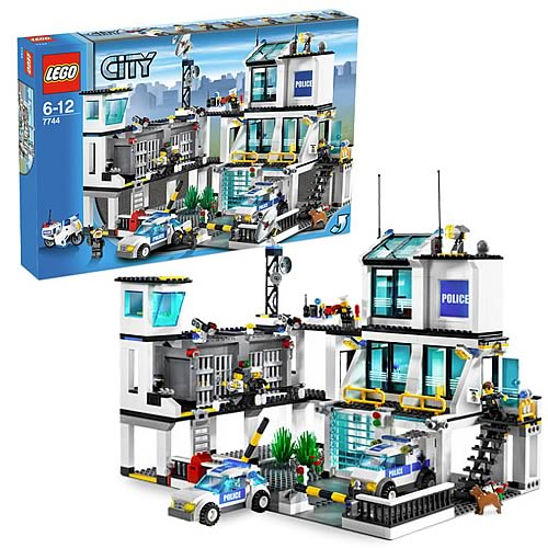 Lego City Police Station 7744 Reviews Compare Prices And Deals