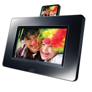 """Photo of LOGIK 7"""" BLK + iPod DK Digital Photo Frame"""