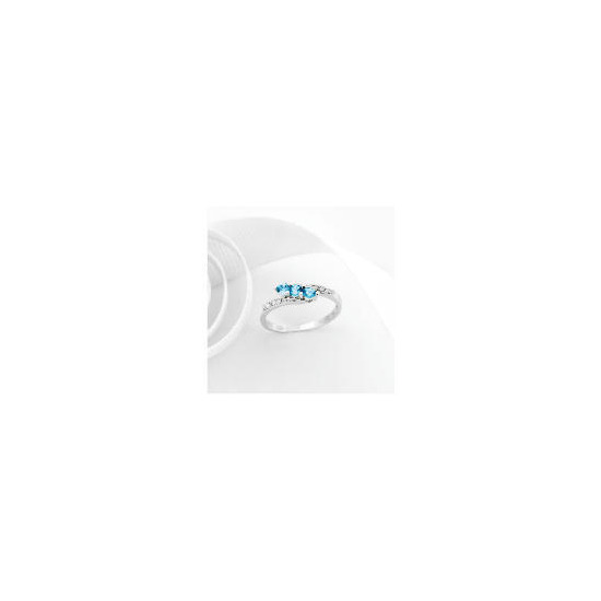 9ct White Gold Blue Topaz and Diamond Ring O