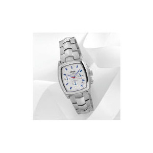 Photo of Jeep Mens Champaigne Dial Chrono With Silver Bracelet Strap 50M Jewellery Woman
