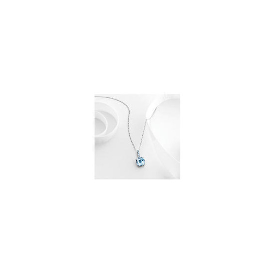 9ct white gold blue topaz pendant