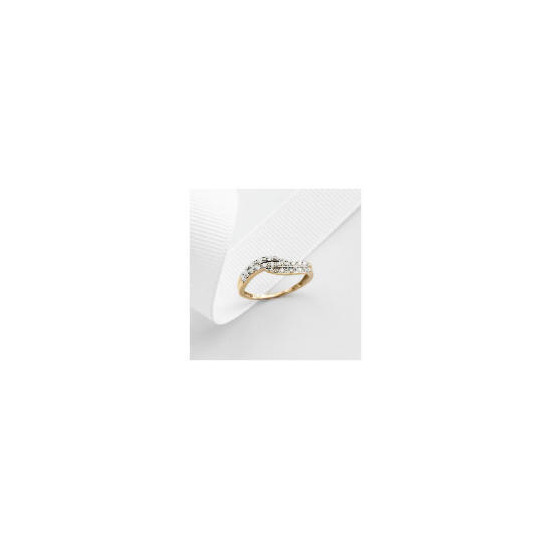 9ct Gold 11pt Diamond Ring J