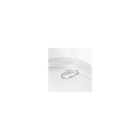 9ct White gold Cubic Zirconia Ring,  P