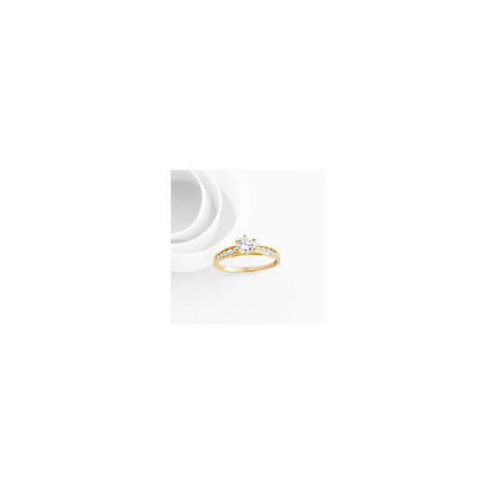 9ct gold cubic zirconia ring K