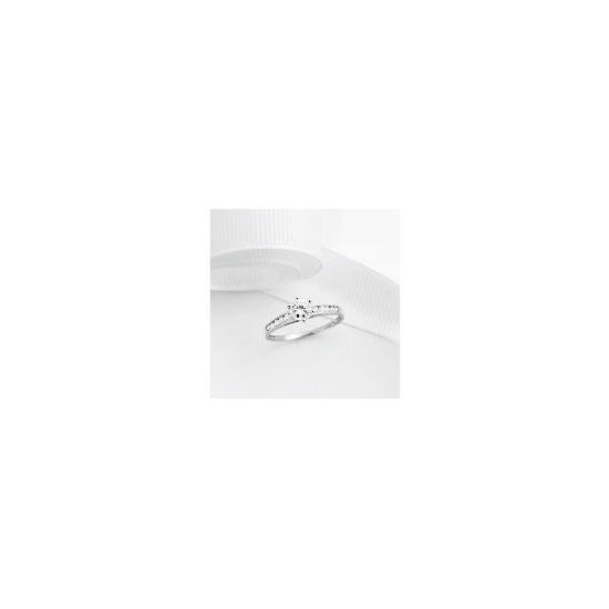9ct White gold Cubic Zirconia Ring,  M