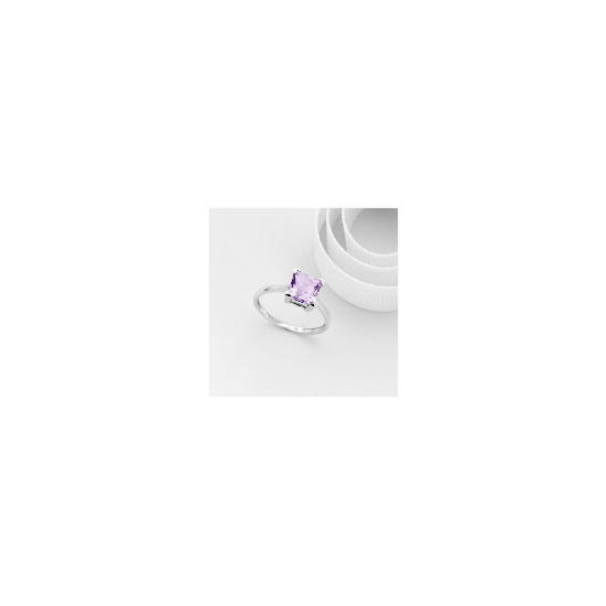 9ct White gold Amethyst Ring L