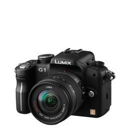 Panasonic Lumix DMC-G1 with 14-45mm and 45-200mm lenses Reviews