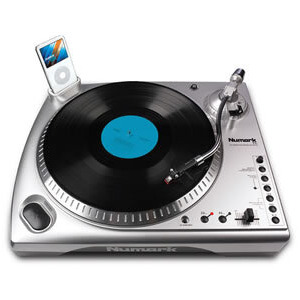 Photo of ION LP DOCK USB TURNTABLE DIRECT TO iPod RECORDING Turntables and Mixing Deck