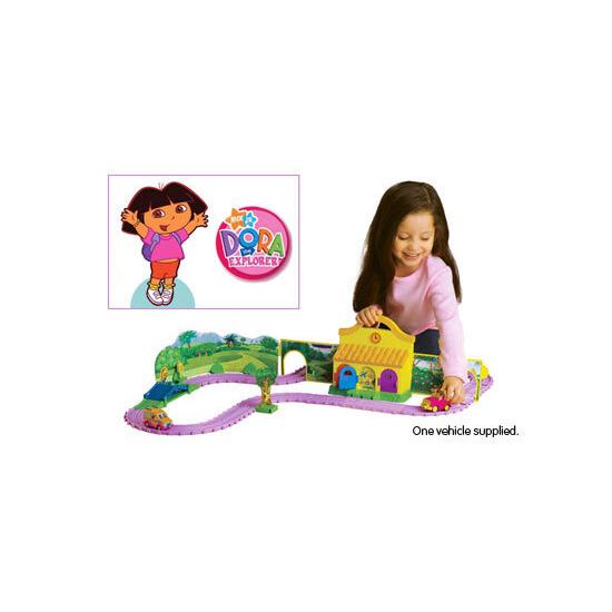 Take Along Dora Adventure Set