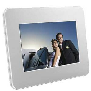 Photo of Samsung SPF-71E Digital Photo Frame
