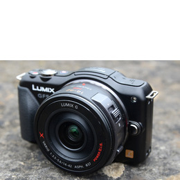 Panasonic Lumix DMC-GF5 with 14-42mm lens