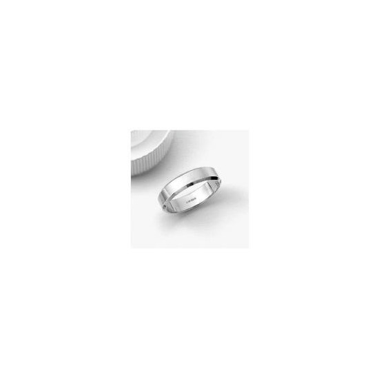 9ct White Gold 5mm Bevelled Edge Wedding Band R