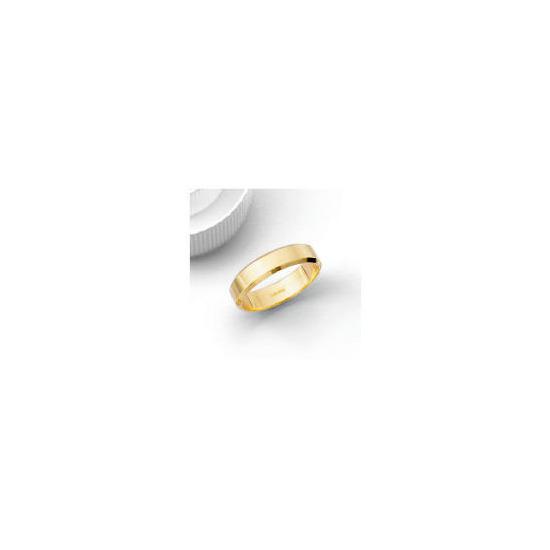 9ct 5mm Bevelled Edge Wedding Band V