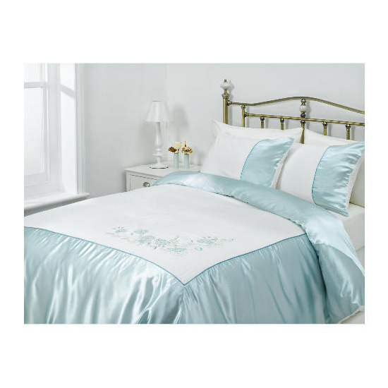 Tesco Amiee Embroidered Duvet Set Kingsize, Cloud